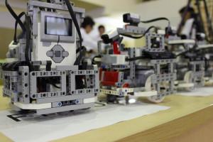 Вшколах Казахстана открываются первые лаборатории поробототехнике