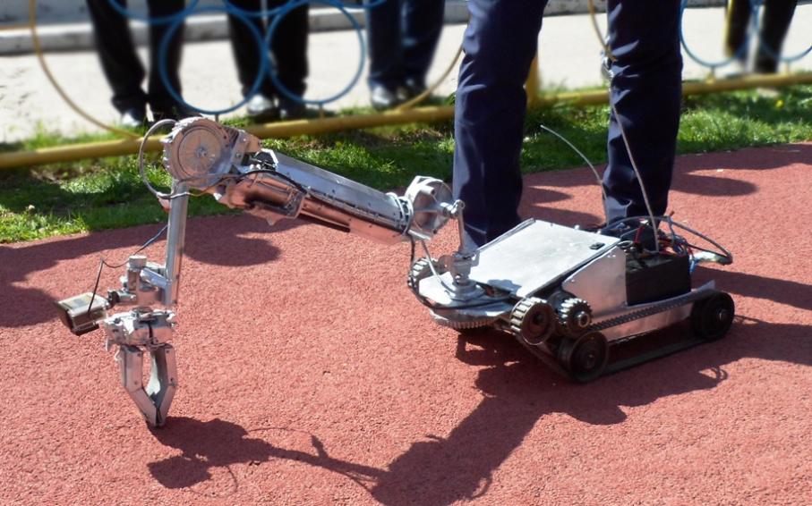 В Шымкенте прошла выставка военных роботов