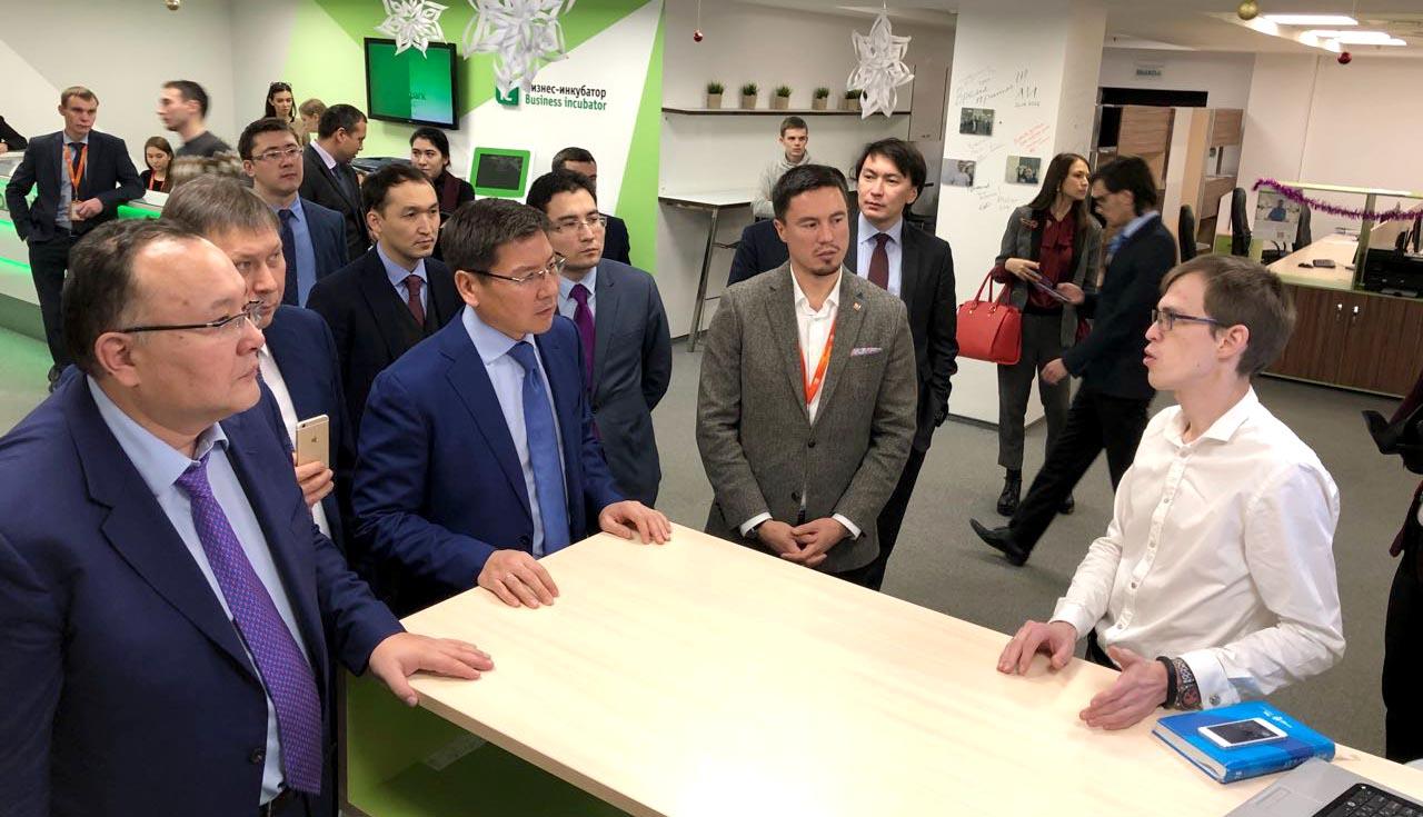 Во время визита в Татарстан казахстанская делегация ознакомилась с инновационными проектами и разработками в сфере высоких технологий в «ИТ-парке» и Иннополисе