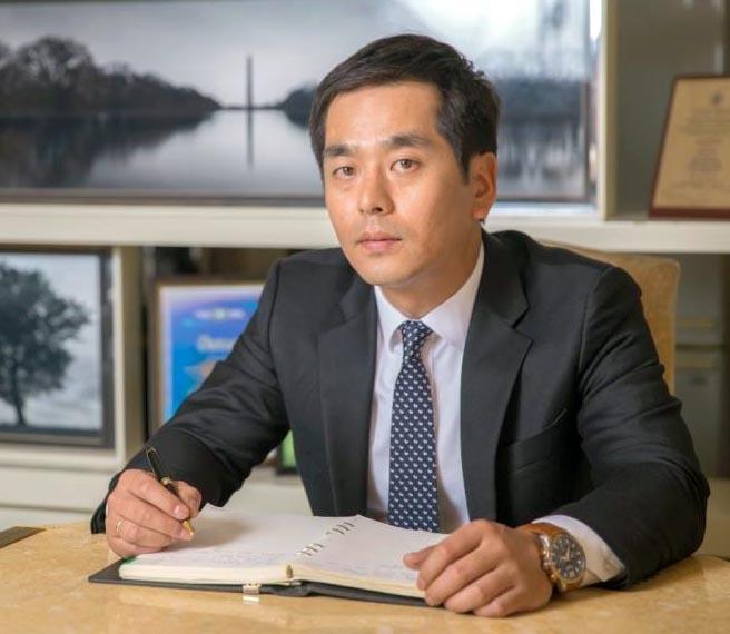 Ким Сонг Хван