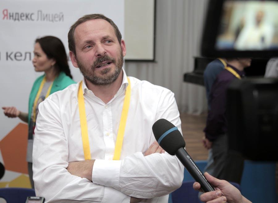 Аркадий Волож в Алматы